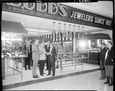 Budd's Jewelry Store, ribbon cutting