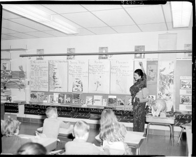 Winchell School, Mrs. Mildred Borton's classroom with Japanese woman teaching class