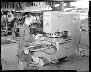 Man working at a Wiedemann machine