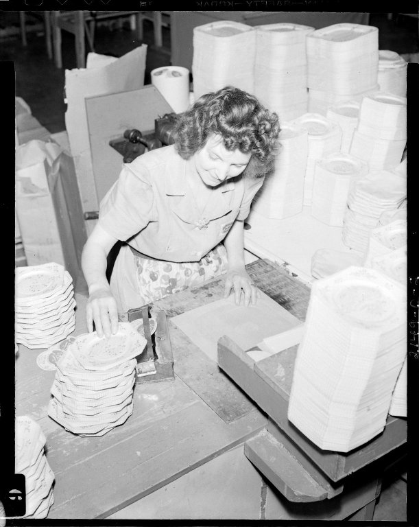 Sutherland Paper Company, worker making paper plates