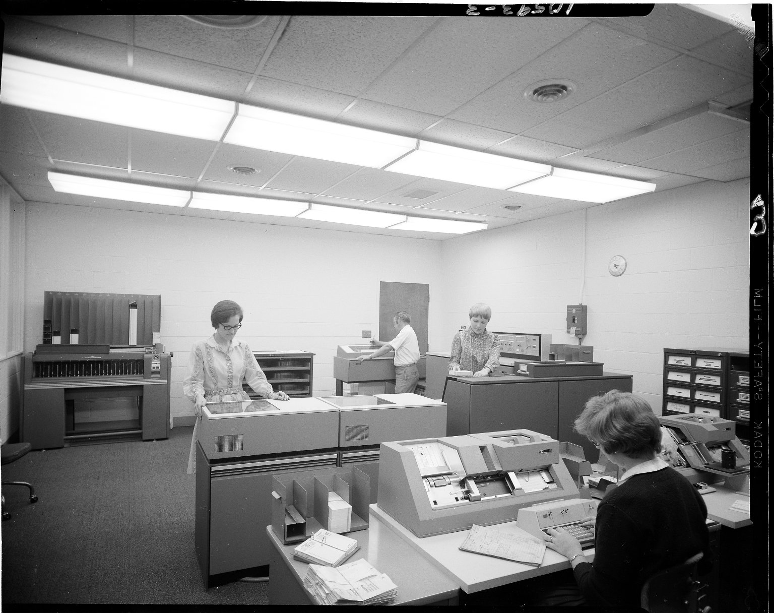 Aero-motive Manufacturing Company, people in computer room