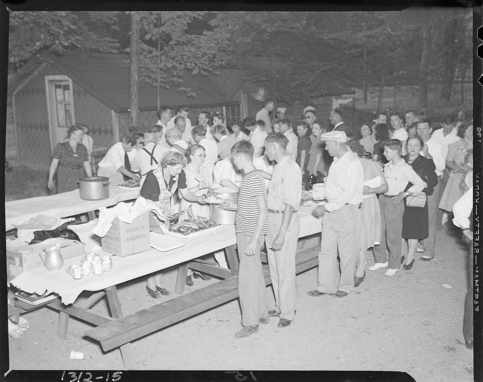 Ingersoll Steel Co. picnic, buffet lines