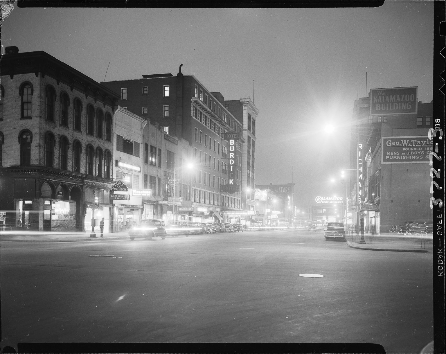 Michigan Avenue night scene, Kalamazoo