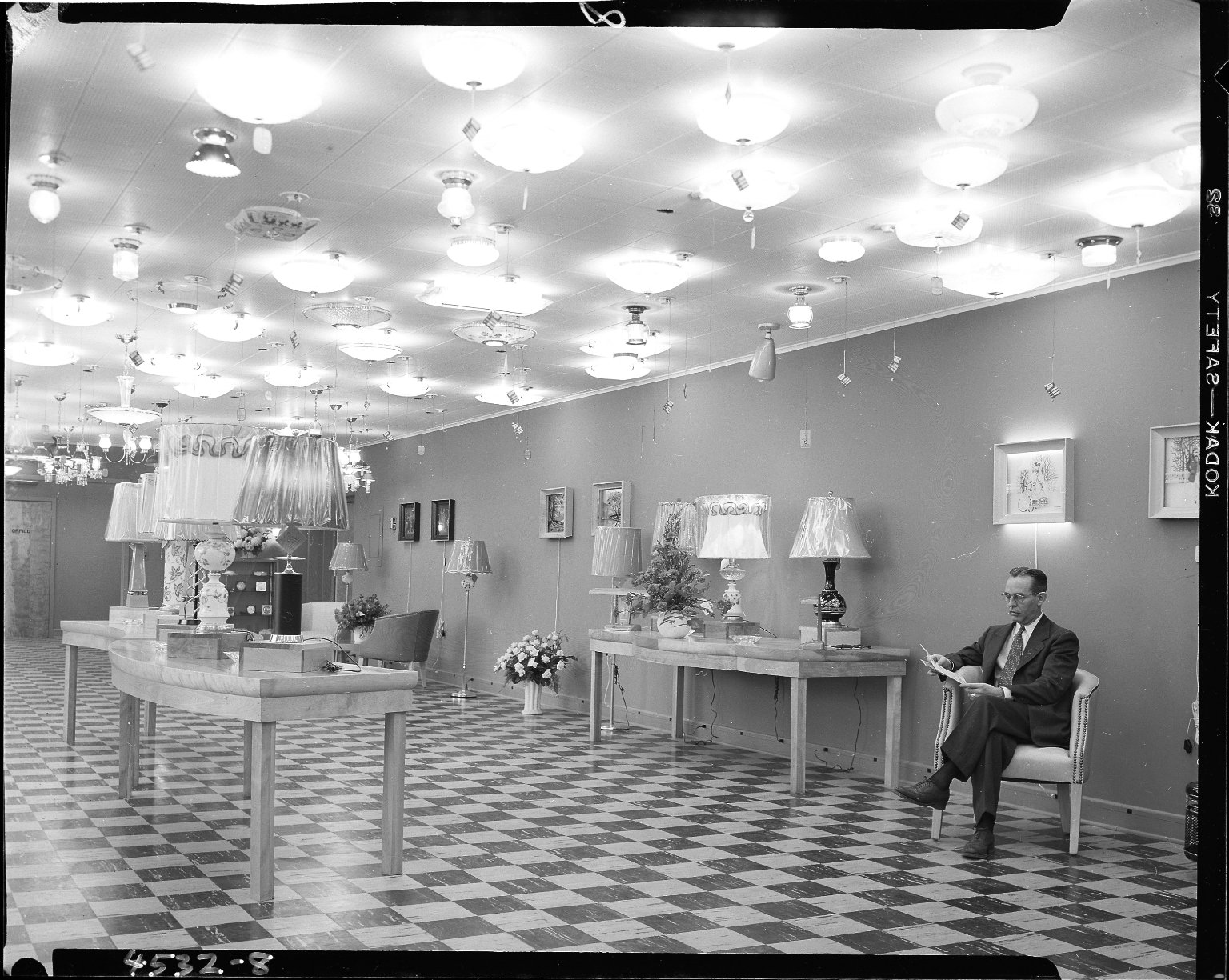 Klose Electric Company, residential lighting showroom, Kalamazoo, MI