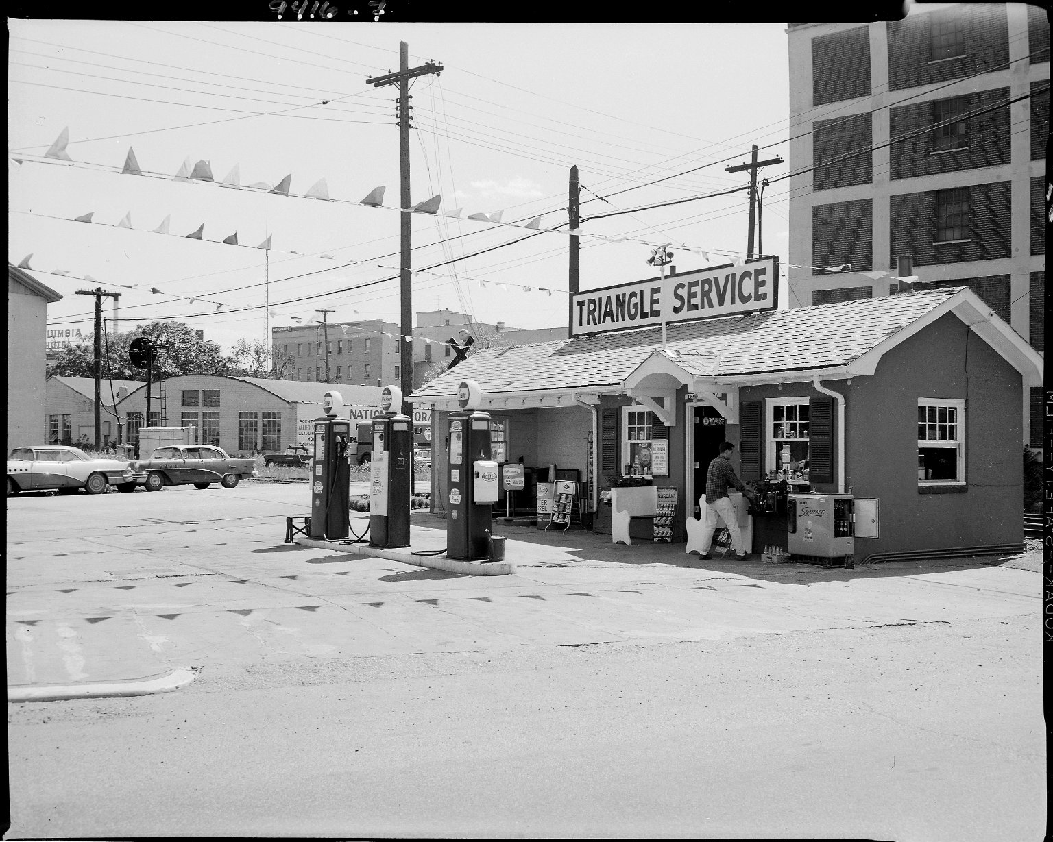 Triangle Service Station, exterior