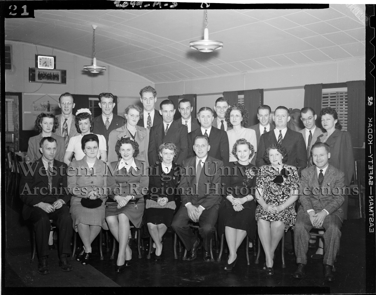 Group portrait of Kalamazoo Stove Company employees at Piccadilly Inn Restaurant